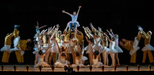 Billy Elliot live Screening Tops UK Silver Screen Film Industry