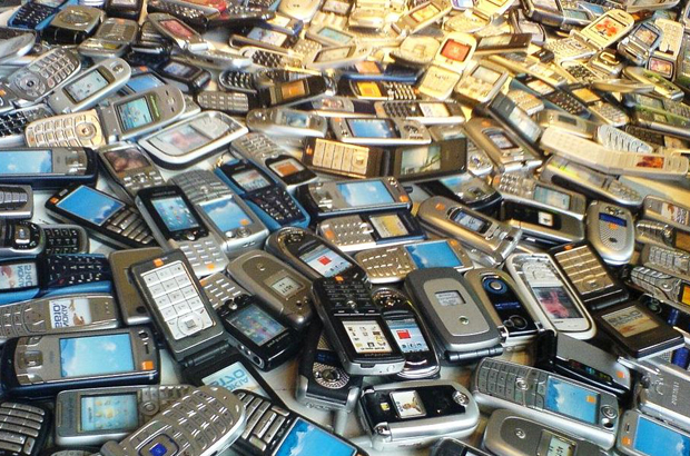 How to Properly Recycle Old Phones
