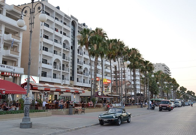 5 Reasons To Travel To Larnaca!