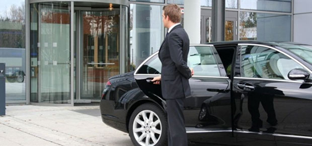 Why It Is Better To Hire Taxi Service For Airport Transfer In Rome?