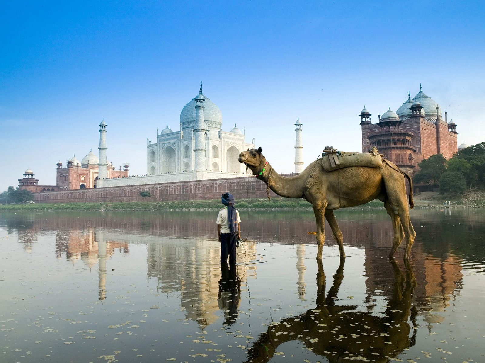 Agra – A Timeless Old City Still Clinging To Its Glorious Past