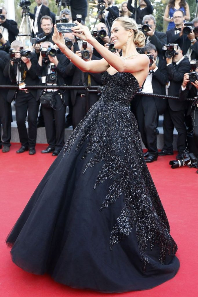 Red Carpet Look Tips & Hacks For A Flawless Look