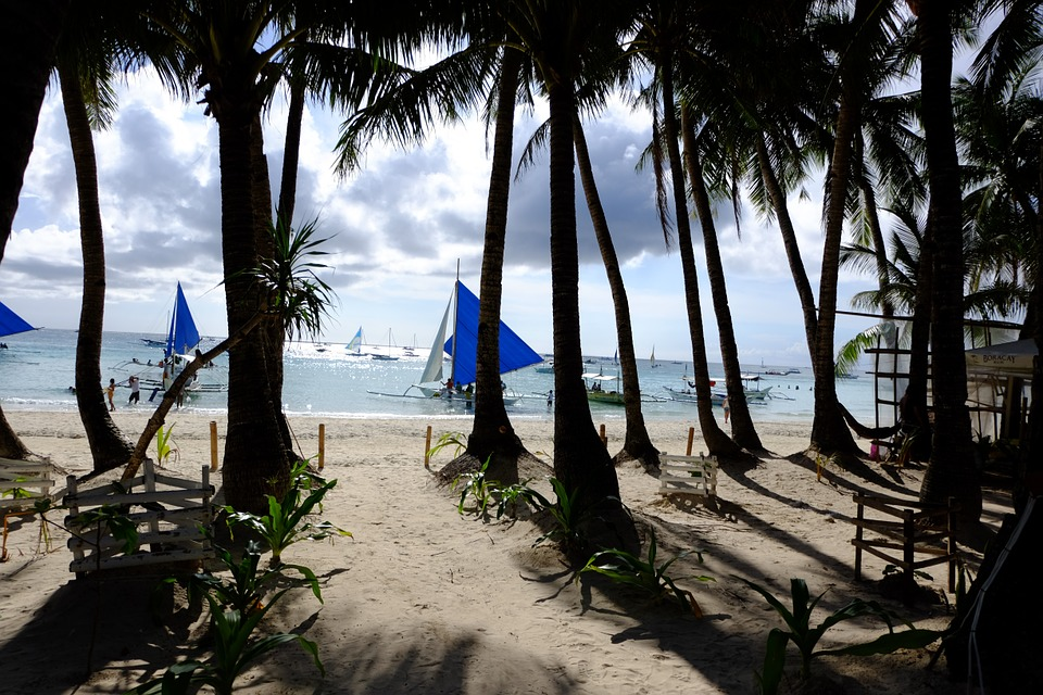 A First Timer's Checklist On What To Do In Boracay, Philippines
