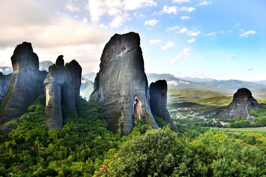 Visit the monasteries of Meteora