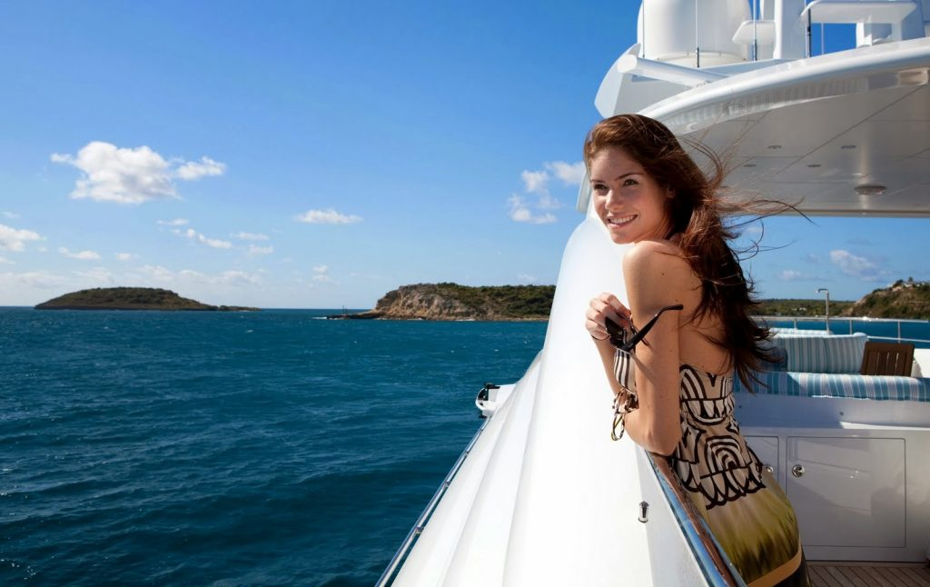 How Do The Miami Yacht Charters Help You Feel The Best Sailing Experience?