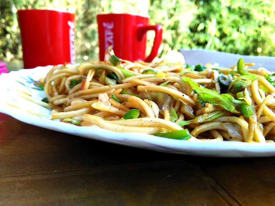 How to Make Szechuan Style Chinese Noodles