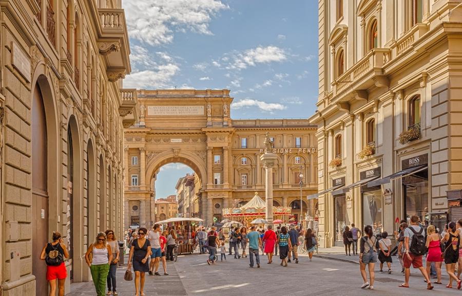 5 Piazza della Repubblica In Florence